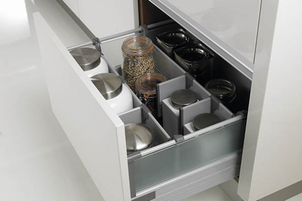 futura-luxury-pan-drawer-cmykA8737EF2-0611-4F5C-8F66-CA69BE783161.jpg